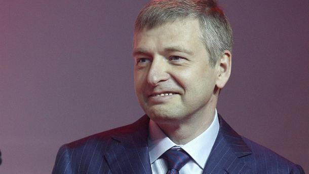 Задержанный в Монако российский миллиардер сбежал в Москву