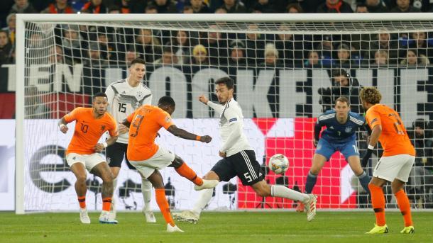 Нидерланды вырвали ничью в Германии и вышли в полуфинал Лиги наций
