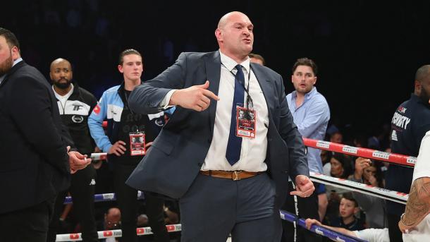 Британский боксер Фьюри перед чемпионским боем похудел на 60 кг