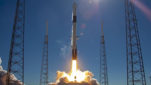 """Ракета Маска""""утонула"""": SpaceX впервые не посадила первую ступень на земную платформу"""