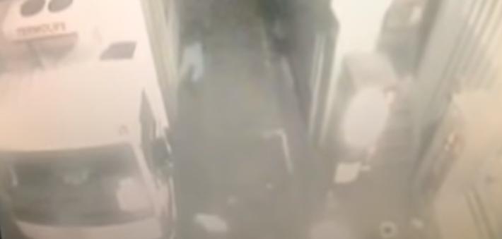 Тіло Микити можна побачити у верхньому лівому куті зображення