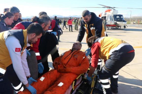 Біля берегів Туреччини затонуло судно зукраїнцями наборту