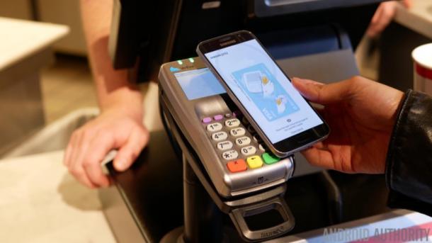 """У пользователей платежной системы Samsung """"скачут"""" заряды аккумуляторов. Как это исправить"""