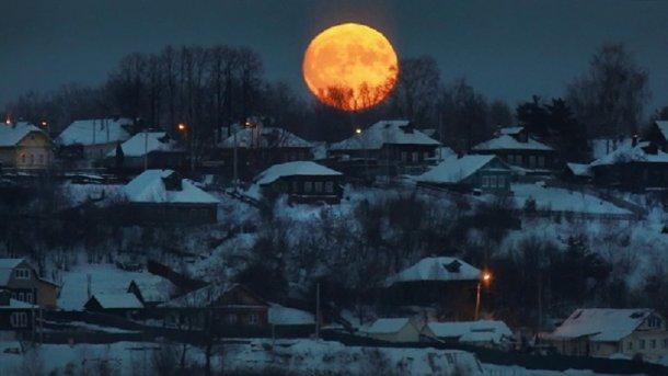"""В ночь на 21 января можно будет наблюдать за """"кровавой суперлуной"""""""