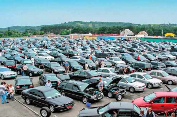 Укравтопром фіксує бум на розмитнені автомобілі