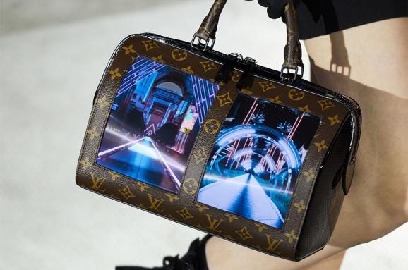 30c7ae6ae1f9 Louis Vuitton показал сумки с гибкими AMOLED-экранами