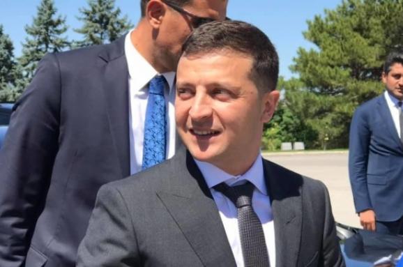 """Зеленский наивно надеется, что """"Слуга народа"""" выигрывает у террористов выборы на Донбассе, - политолог Владимир Горбач"""