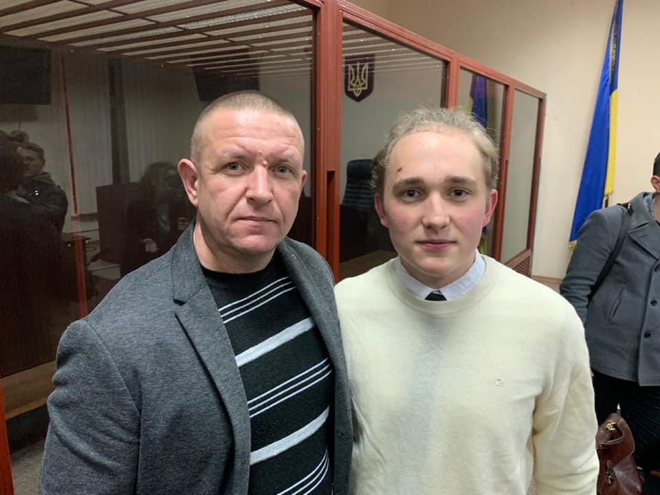 Нардеп Бондар (зліва)  та підозрюваний Іван Хоменко (справа)