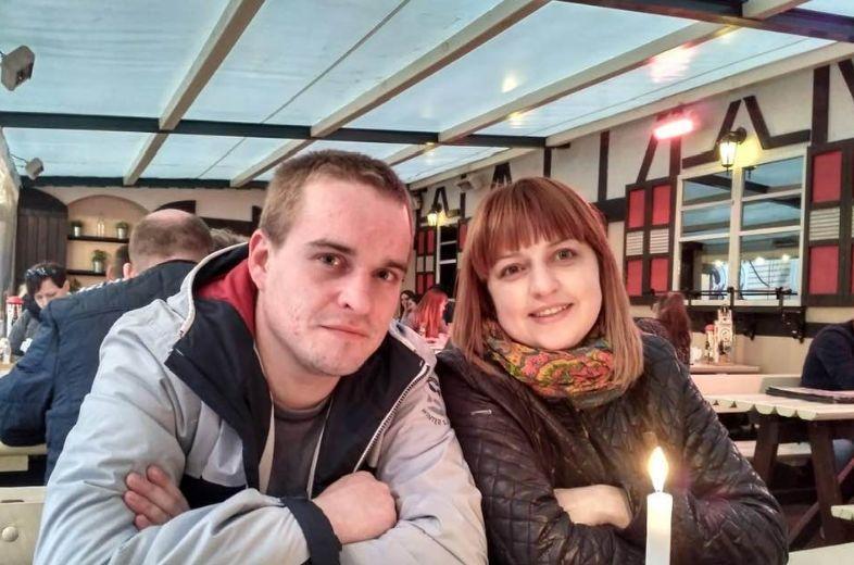 Сергій зі своєю сестрою Іриною Бойчук