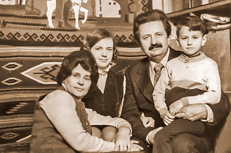 Ольга і Михайло Горині з дітьми. Архівне фото
