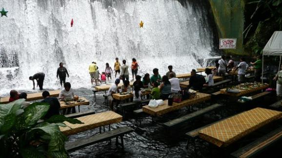 """Результат пошуку зображень за запитом """"Ресторан біля підніжжя водоспаду"""""""