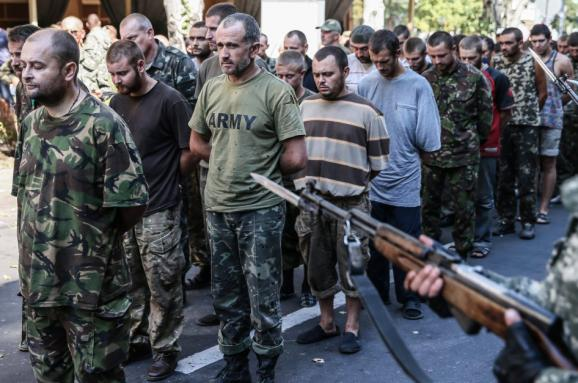 В полоні бойовиків пе�еб�ва��� понад 800 л�дей СПИСОК
