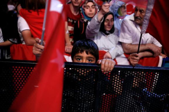 Посадить всех. Как Эрдоган закручивает гайки