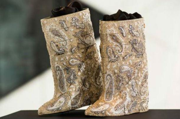 результате самые дорогие женские сапоги в мире фото случае дождя или